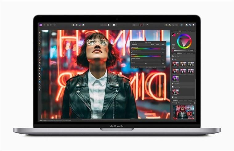 MXK72B/A, MacBook Pro 13-inch TouchBar - Intel 8th Gen i5 8GB RAM 512GB Silver